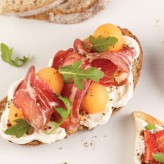 Tartine au cantaloup et prosciuttini Antipasto, Cantaloupe And Melon, Brunch, Flatbread Recipes, Prosciutto, Nutrition, Tuna, Good Food, Fun Food