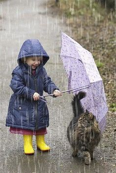 Walking in the rain with your kitty. Hoping my kitty and my granddaughter will be friends some day! Animals For Kids, Animals And Pets, Baby Animals, Funny Animals, Cute Animals, Animal Memes, Funniest Animals, Animal Babies, So Cute Baby