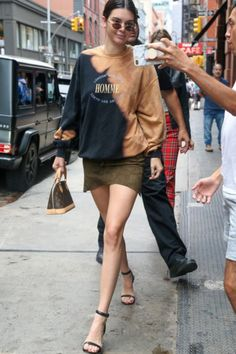 c4ad4e489172 Kendall Jenner @kendalljenner 2017-07-28 Kendall And Kylie Jenner, Classy  Chic