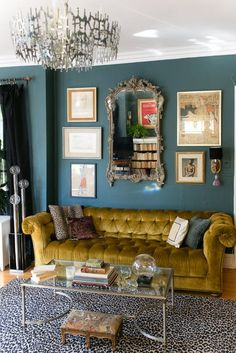Chicago House Tour: A Maximalist, Antique Rental Home | Apartment Therapy