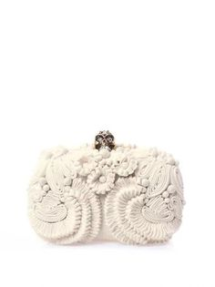 """Glory skull 3D flower clutch"" https://sumally.com/p/1161726?object_id=ref%3AkwHOAAdadIGhcM4AEbn-%3A4UWb"