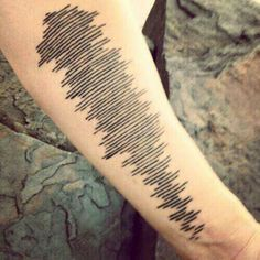 """""""In memory of his mom he got this tattoo.. It's the soundwaves from her last voicemail she sent him"""""""