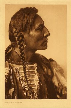 Edward Curtis - North American Indian Photos { 2296 Clip Art Graphics } on DVD Edward Curtis, Native American Photos, Native American Tribes, Native Indian, Native Art, Portraits, First Nations, Photos Du, Male Beauty