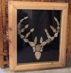 Framed Deer made of Arrowheads Native American Tools, Native American Decor, Native American Pottery, Native American Artifacts, Barn Wood Crafts, Wire Crafts, Indian Artifacts, Ancient Artifacts, Displaying Collections