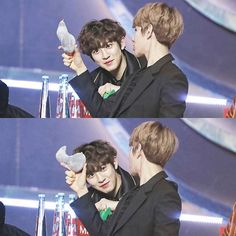 170114 - GOLDEN DISK AWARD | 😭❤ soulmate ㅠㅠ 기여워유ㅠㅠ they are so cuteee - - - 《 #baekhyun #chanbaek #exo #chanyeol @baekhyunee_exo @real_pcy #백현 #엑소 #변백현 #찬백 #엑소엘 #엑소케이 #엑소엠 #찬열 》