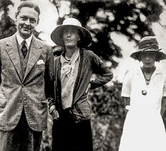 1932: T S Eliot on the left, his wife Vivienne on the right, and Virginia Woolf in the middle.