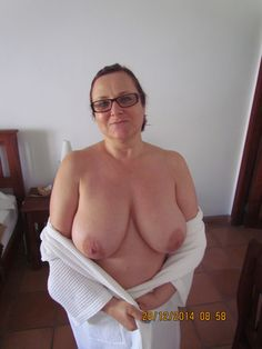 Older women awesome tits