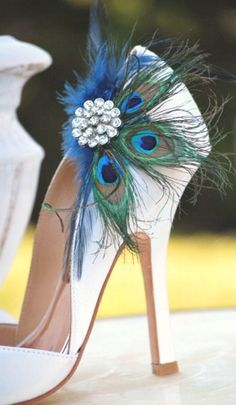 i love feathers. Ummmm to die for