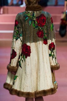 Not Ordinary Fashion - Dolce & Gabbana Fall 2015