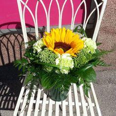 Elokuun ihanan aurinkoisen päivän kimppu ♥  #sunshine #bouquet ♥  #kukat #kukkakimppu #flowers #instaflowers #flowerofinstagram #flowerlover #blommor #kesä #summer #yellow #auringonkukka #sunflower #elokuu#august #kotka #finland