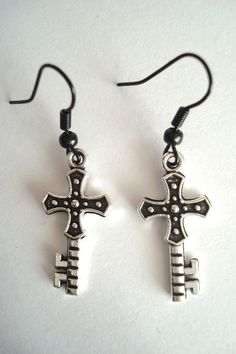 BNWOT Dark Silver Tone and Black Alloy Ornate Cross Key Dangle Drop Earrings found at outofthefireuk on ebay.co.uk