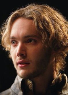 Reign King Francis Of France, Reign Mary And Francis, Toby Regbo Reign, Reign Cast, Avatar, Adventure Novels, Bride Book, Fantasy Romance, Malec