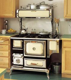 Old Wood Stoves   Wood stoves and wood burning systems come in a huge variety of shapes ...