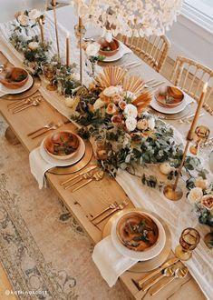 Boho Wedding Decorations, Garland Wedding, Wedding Table Centerpieces, Wedding Greenery, Fall Wedding Table Decor, Long Wedding Tables, Fall Wedding Themes, Fall Wedding Inspiration, Picnic Table Wedding