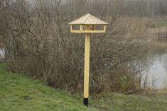 Téli madáretetés | Magyar Madártani és Természetvédelmi Egyesület Bird Feeders, Google, Wood, Creative, Teacup Bird Feeders