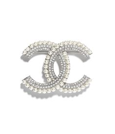 Costume jewelry of the {collectionName} CHANEL Fashion collection : Brooch, metal, resin & strass, silver, pearly white & crystal on the CHANEL official website. Collar Steampunk, Steampunk Necklace, Chanel Costume Jewelry, Chanel Jewelry, Crystal Jewelry, Silver Jewelry, Vintage Jewelry, Chanel Pearls, Coco Chanel