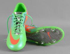 various colors af0ca 98985 Paire de crampons portée par Zlatan  Ibrahimovic avec le Paris Saint  Germain lors de la saison 2013-2014. Modèle Nike personnalisé. état d usage.