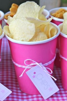 Food idea for family gartherings -individual snack cups, great for not having everyone's hands in a bowl Under the Stars Tween / Teen Girl Birthday Party via Karas Party Ideas luluzinha kids ❤ parque de diversões - Chips in individual cups -great idea Bar A Bonbon, Spa Birthday, Teen Birthday, 13th Birthday, Star Party, Snacks Für Party, Party Games, Sleepover Party, Diy Party