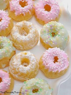 Bunt Cakes, Cupcake Cakes, Mini Muffins, Coconut Pound Cakes, Nothing Bundt Cakes, Cream Cheese Pound Cake, Little Cakes, Mini Desserts, Plated Desserts