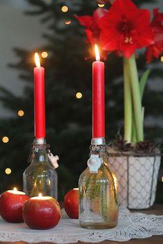 Jouluaatto koitti jälleen ja huh, miten nopeasti vuosi on kulunut. Meillä on ollut tämä vuosi vielä todella ohjelmantäyteinen ja päiv... Candles, Diy, Bricolage, Candle Sticks, Do It Yourself, Candle, Diys, Crafting