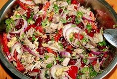 Delicious salad with beans Ingredients: - 1 can of red beans - g of boiled beef (take a slice of low-fat weight 300 grams, boil a half hour in Top Salad Recipe, Salad Recipes, Snack Recipes, Healthy Recipes, Boiled Beef, Russian Recipes, Bean Recipes, Everyday Food, International Recipes