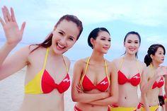 Авиакомпания со стюардессами в бикини  Частная вьетнамская авиакомпания завоевала часть рынка страны благодаря стюардессам в бикини. Если горячие девушки в бикини нравятся пассажирам, то почему нет? #видос #супер #жизньпрекрасна  https://mensby.com/video/entertainment/7658-airline-flight-attendants-bikini