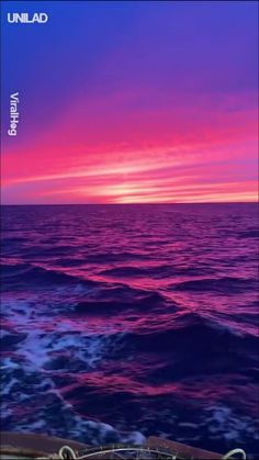 EUPHORIC AF 😩😍 Arrival A rise in popularity of remote controlled style air carriers features Iphone Wallpaper Video, View Wallpaper, Sunset Wallpaper, Ocean Video, Sky Aesthetic, Purple Aesthetic, Ocean Sunset, Sunset Love, Nature Gif