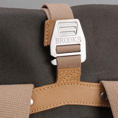 Brooks England Pickwick I Roll Top Bag I Cycling Bag I Rucksack I wasserabweisende Baumwolle I Leder I Details