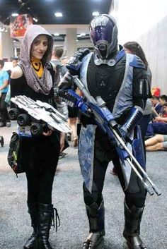 This Quarian couple from Mass Effect spared no expense in the weapon department.