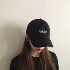 Find images and videos about black, aesthetic and korean on We Heart It - the app to get lost in what you love. Ulzzang Korean Girl, Cute Korean Girl, Asian Girl, Ulzzang Girl Fashion, Korean Girl Fashion, Cap Girl, Uzzlang Girl, Girl Korea, Korean Couple