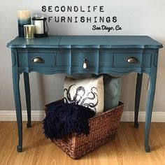 Haven't heard of Fusion? It's an acrylic-based alternative to chalkpaint that's easy to use and provides a highly durable (even waterproof) finish. #HomesteadBlue #DIY #Upcycled #Giveaway #Refinished #HandPainted #Vintage #Vanity #PacificBeach #SanDiego