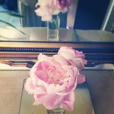 another #lategram from #lovely #sunday!  Whats more sweeter than gorgeous peonies from girlfriends wedding?? ;D