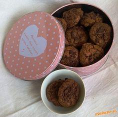 Najčokoládovejšie cookies... Dog Bowls, Dog Food Recipes, Cookies, Desserts, Crack Crackers, Tailgate Desserts, Deserts, Biscuits, Dog Recipes