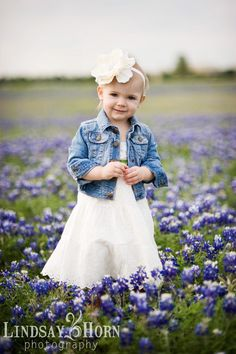 Love this kid outfit for bluebonnet pics Children Photography, Family Photography, Fashion Photography, Photography Ideas, Family Portraits, Family Photos, Mommy Daughter Pictures, Toddler Photos, Family Picture Outfits