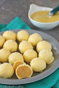 Lemon Curd Cake Balls - lemon curd + lemon cake = these moist, lemony