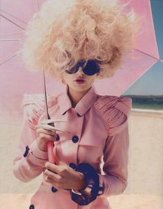 twobfree: This photo is gorgeous! I love the pink coat with the pink umbrella! the whole look is sooo chic! Fashion Art, Pink Fashion, Editorial Fashion, Portrait Editorial, Beach Fashion, Couture Fashion, Natalie Clifford Barney, Mode Pastel, Pastel Pink