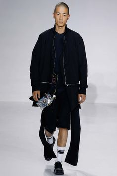 See the complete Siki Im Spring 2016 Menswear collection.