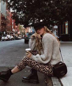 30 Super Classy & Trendy Outfit Inspirations That This Yes .- 30 Super Classy & Trendy Outfit Inspirationen, die dieses Jahr getragen werden sollen # trendige 30 Super Classy & Trendy Outfit Inspirations to Wear This Year # Trendy # … - Mode Outfits, Winter Outfits, Fashion Outfits, Womens Fashion, Holiday Outfits, Fashion Ideas, Fashion Clothes, Latest Fashion, Dress Fashion
