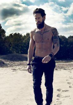 beardmodel:  Kult Model Agency - Platz für Männer: sedcard Clayton Pyle