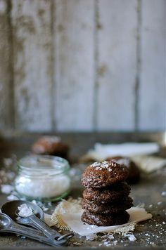 5 Ingredient Fudgy Nutella Cookies
