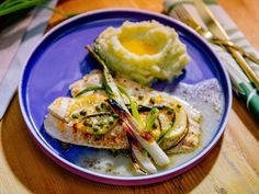 Sunny's Easy Baked Lemon Sole and Spring Onions Get Sunny's Easy Baked Lemon Sole and Spring Onions Recipe from Food Network Fish Dishes, Seafood Dishes, Fish And Seafood, Main Dishes, Fish Recipes, Seafood Recipes, Dinner Recipes, Recipies, Sauce Recipes