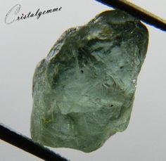 Cristal d'apatite verte bleuâtre