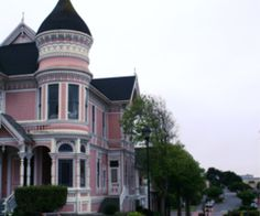 My future house, but powder blue instead of pink! Cute Pink, Pretty In Pink, Places Around The World, Around The Worlds, Cute House, Pink Houses, Victorian Homes, Amazing Gardens, My Dream Home