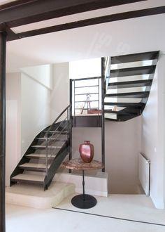 Escalier 2/4 Tournant - DT21 - © Photo : Philippe CLUZEAU - ESCALIERS DÉCORS®