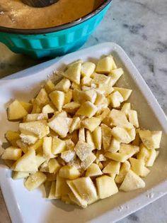 Κέικ μήλου !!!! ~ ΜΑΓΕΙΡΙΚΗ ΚΑΙ ΣΥΝΤΑΓΕΣ 2 Greek Sweets, Cinnamon Rolls, Food And Drink, Desserts, Recipes, Cakes, Blog, Tailgate Desserts, Deserts