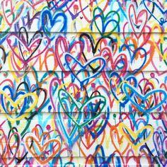 ❤️ #bleedinghearts #lovewall #heartsifound #nyc (at Broome St @ Mott St)