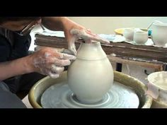 93. Throwing a Closed Porcelain Vase / Bottle with Hsin-Chuen Lin (+play...
