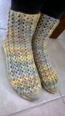 Handicraft, Socks, Knitting, Fashion, Craft, Moda, Tricot, Fashion Styles, Arts And Crafts