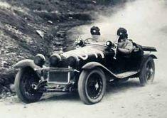 Tazio Nuvolari alla Mille Miglia del 1930 su AR 1750