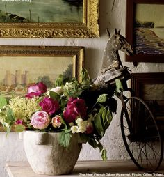 French decor with flowers